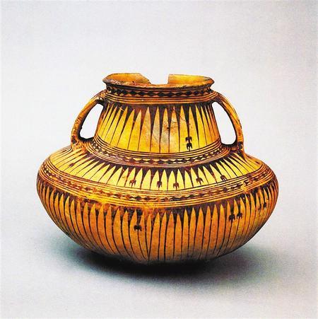 古浪博物馆藏属沙井文化的三角纹圜底罐