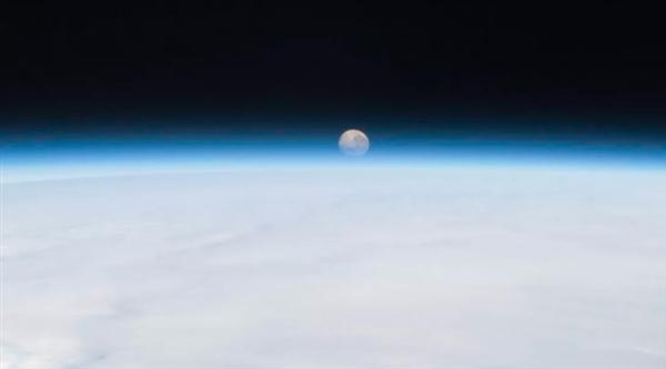 """地球即将捕获一个新的""""迷你月亮"""" 但它可能只是太空垃圾"""