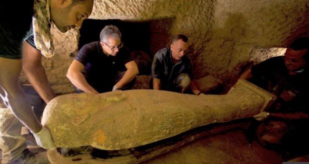 【西风亚洲天堂】_埃及古墓新出土27具棺材:2500年前下葬 色彩仍鲜艳
