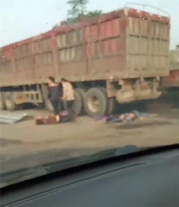 【内容为王】_河南许昌一校车与大货车相撞:车上有多名幼儿,多人紧急送医