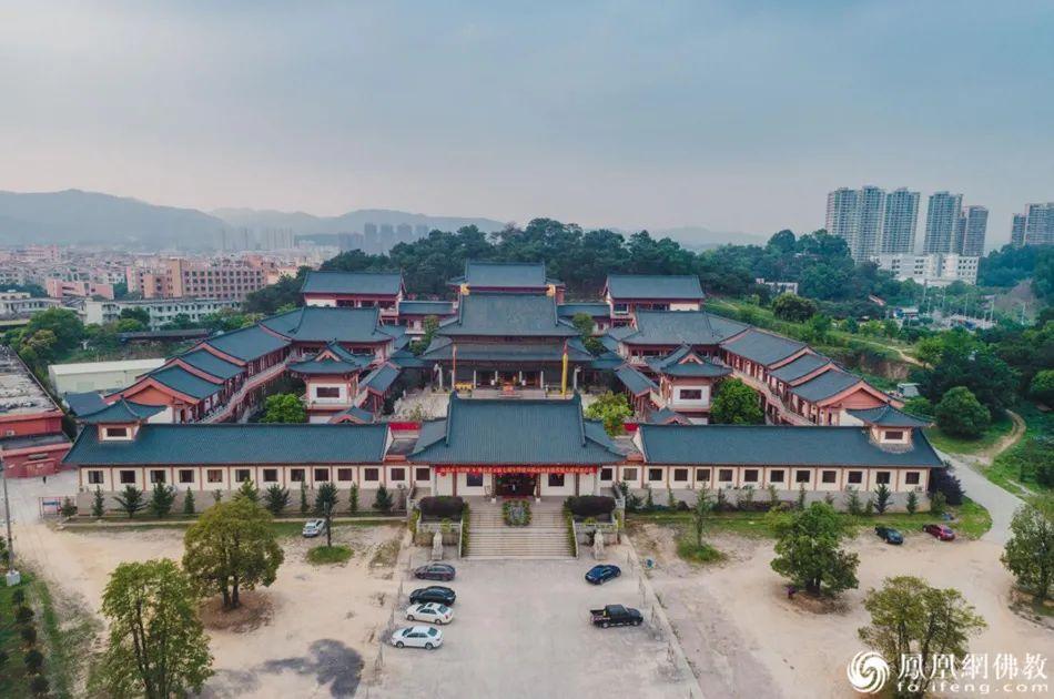 新型佛教丛林花都华严寺:广州规模最大的新建寺院