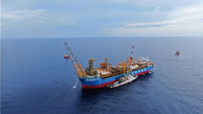 我国首个自营深水油田群投产 助粤港澳大湾区发展