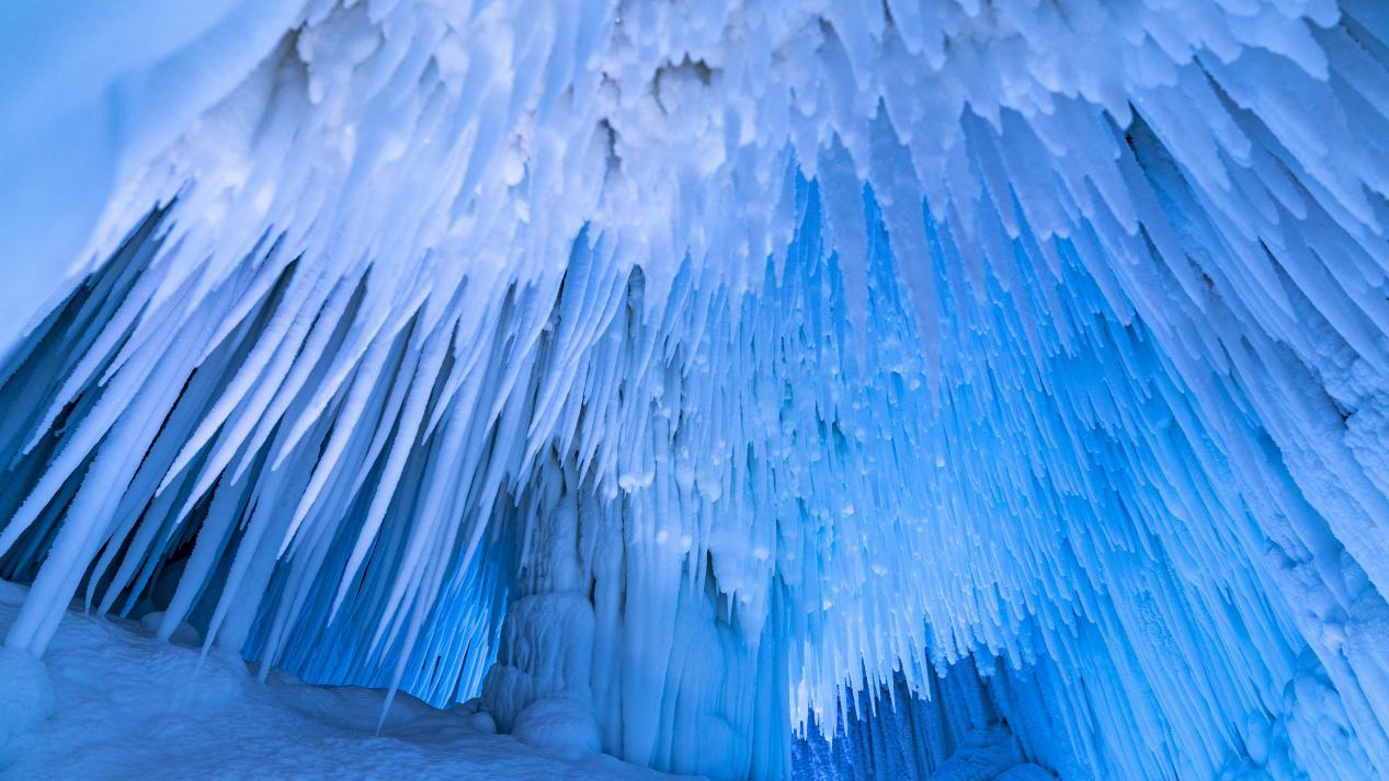 图为云丘山冰洞群