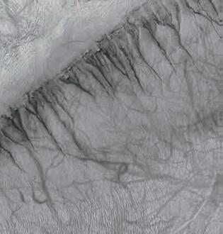 凯撒撞击坑壁上的冲沟图(图片来源:NASA)