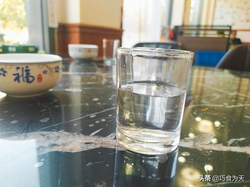 白酒的选择,3个方法识别粮食酒,白酒的3大卫生指标