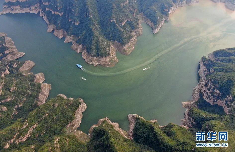 """▲""""黄河三峡""""景色。新华社记者 郝源 摄"""