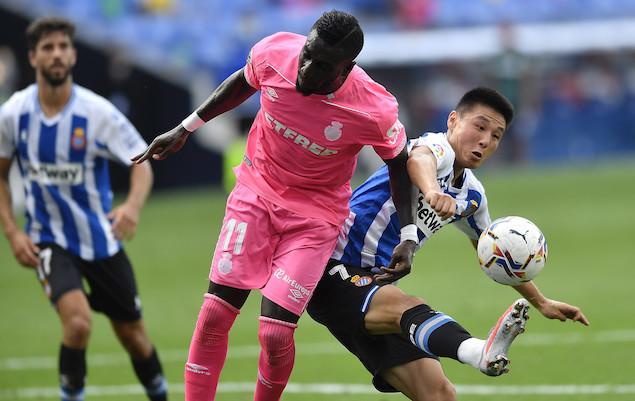 武磊首发登场罗卡替补染红,西班牙人0-0闷平马略卡