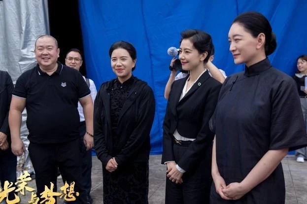 """高圆圆复出拍戏演宋美龄,搭档""""宋庆龄""""李小冉"""