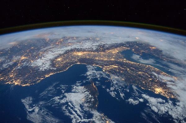 冲出地球!阿汤哥新片前往国际空间站拍摄