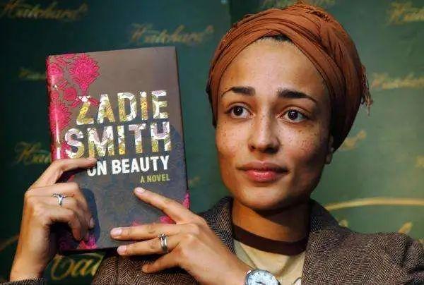英国作家扎迪·史密斯,其母为牙买加移民