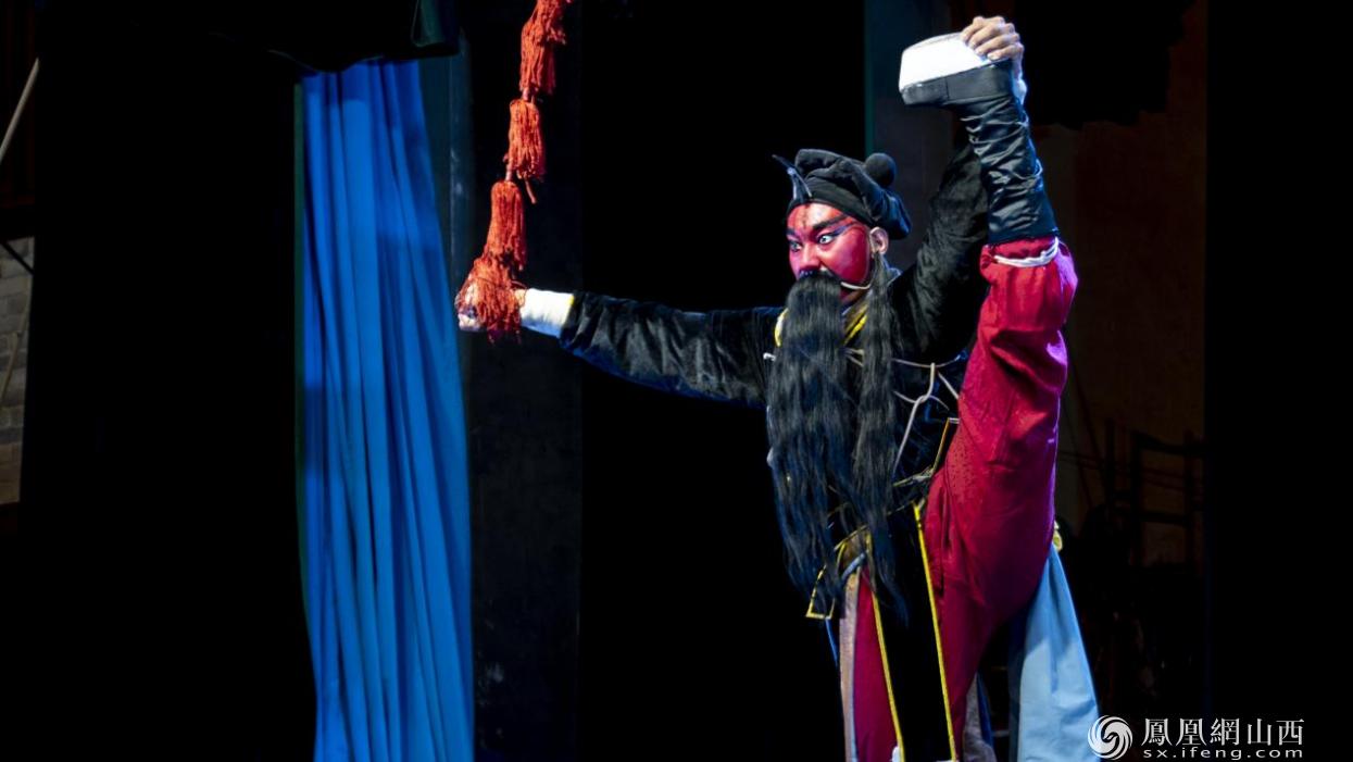 图为临汾蒲剧院蒲剧团精品剧目演出。卢鹏宇 摄