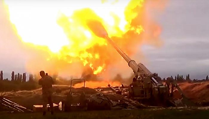 2020年9月28日,阿塞拜疆国防部公布阿方打击亚美尼亚据点的关键时刻。
