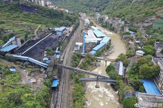 【重庆亚洲天堂】_16人遇难的事故发生后,重庆市委书记、市长第一时间赶到现场