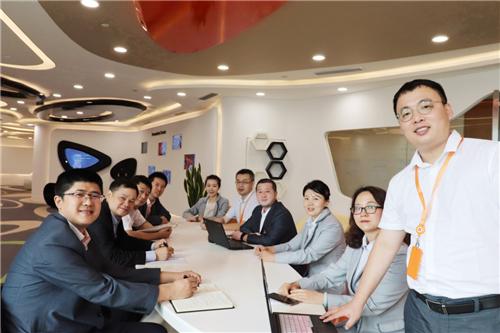 """""""哈尔滨银行跨境电商交易风险监测系统""""项目团队成员合影"""
