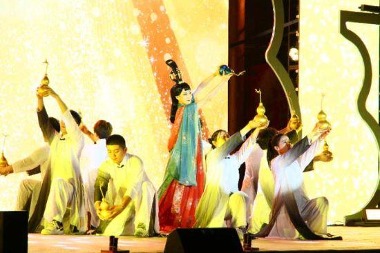 葫芦岛举办2020葫芦文化节 小葫芦撬动大市场