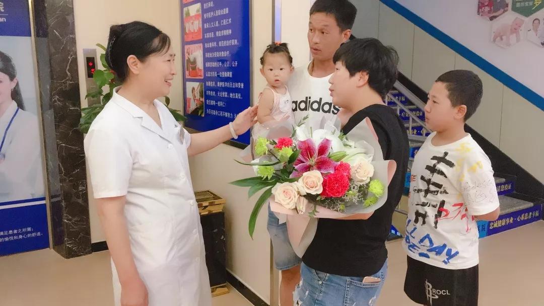 """从事生殖医学的三十年间,李丽英帮助数千家庭圆了""""宝宝梦"""""""