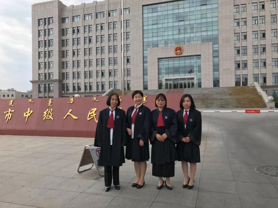 李莹工作照片 由受访者提供