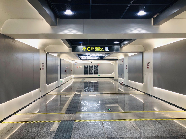 6號線三期天府商務站出入口通道