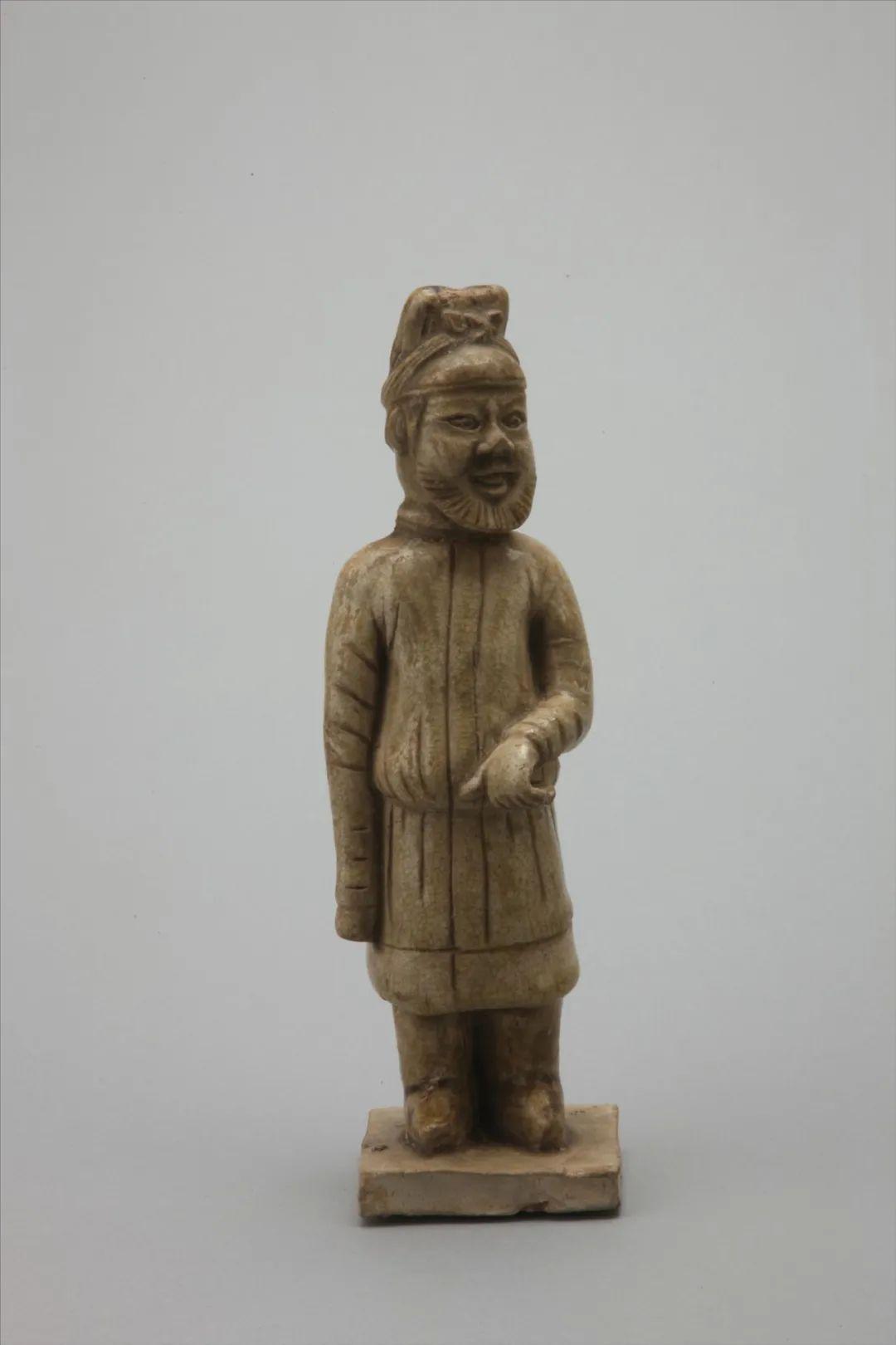 青釉牵马瓷俑 唐 四川博物院