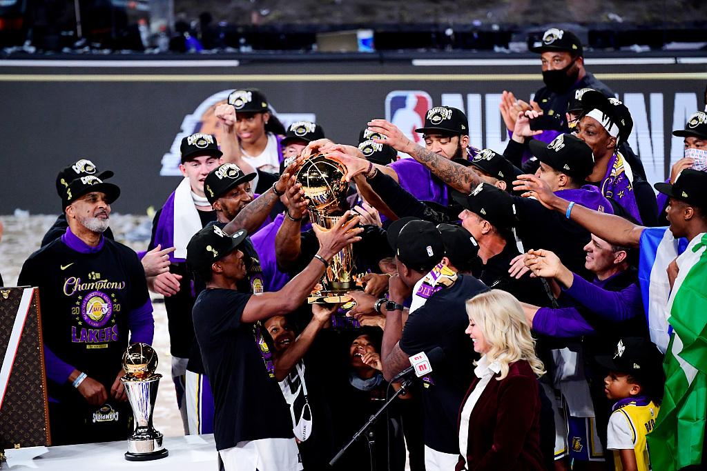 湖人总冠军!时隔十年再次夺冠 詹姆斯全票当选总决赛MVP