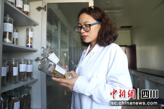 四川辅正药业股份有限公司的研发经理姚仁川。谷成斌 摄