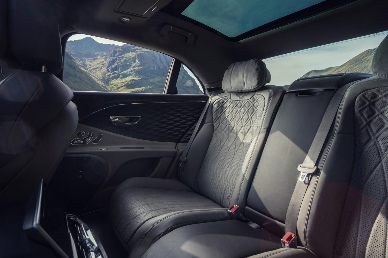 宾利飞驰V8售价公布 仅一款车型/售价251.80万元