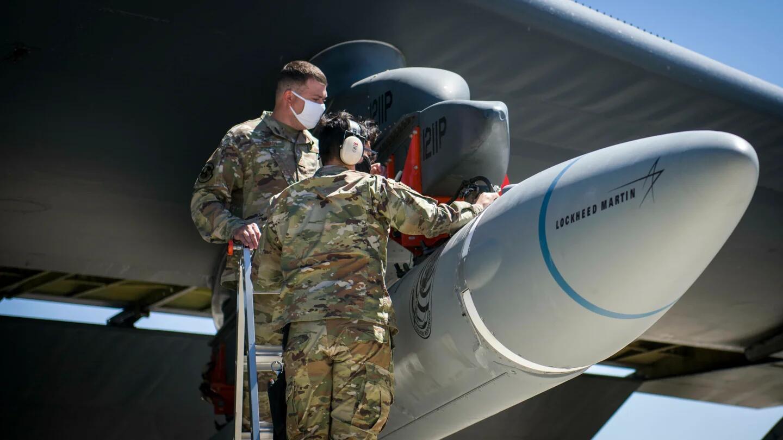 美军披露空射高超导弹:打2400公里外目标只需10分钟