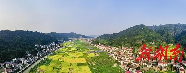 《小康已然现》邹声爽拍摄于冷水江市三尖镇