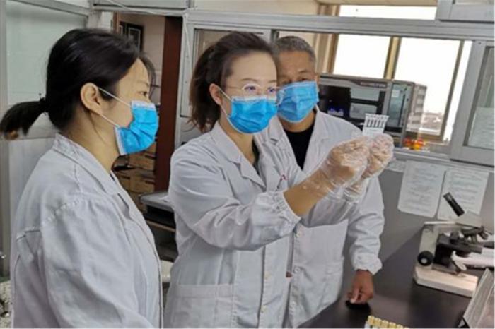 近日,江西省儿童医院输血科在一名2岁患儿及其家属血液红细胞上发现了人类RH血型系统的一种新型D等位基因型。 江西省儿童医院供图