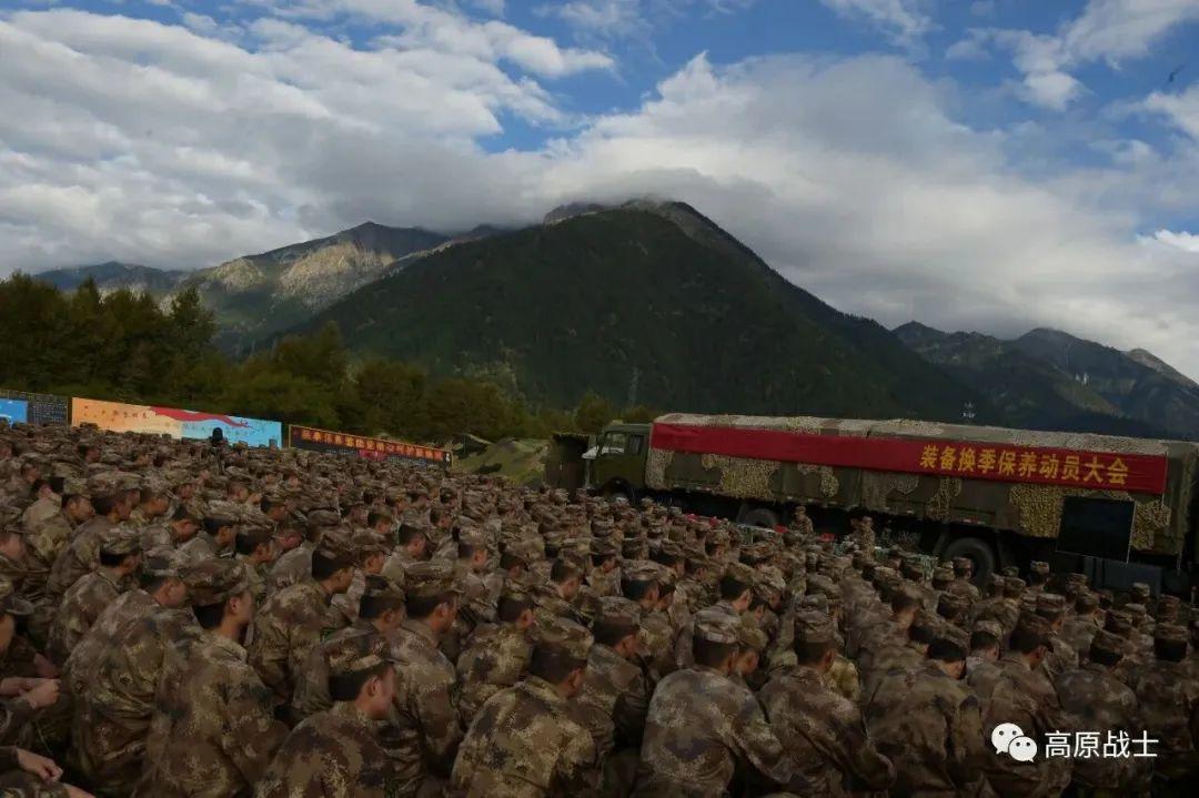 西藏军区换装新型精确步枪 提升800米内精准打击能力(图2)