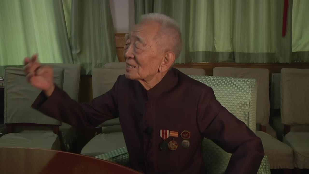 志愿军老兵回忆美军空袭:炸弹在一人高度爆炸 很多战友牺牲