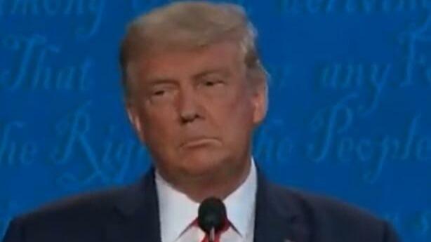 现场:发言超时,特朗普在美国总统辩论中被闭麦