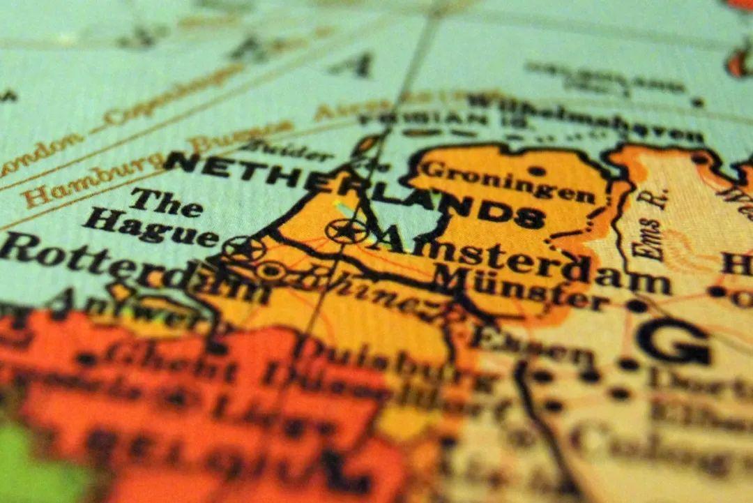 """△ 在一些地图上可以看到荷兰地区标的是""""Netherlands""""/unsplash"""