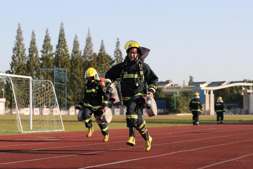 四川消防:开展一线指挥员灭火救援指挥能力集训