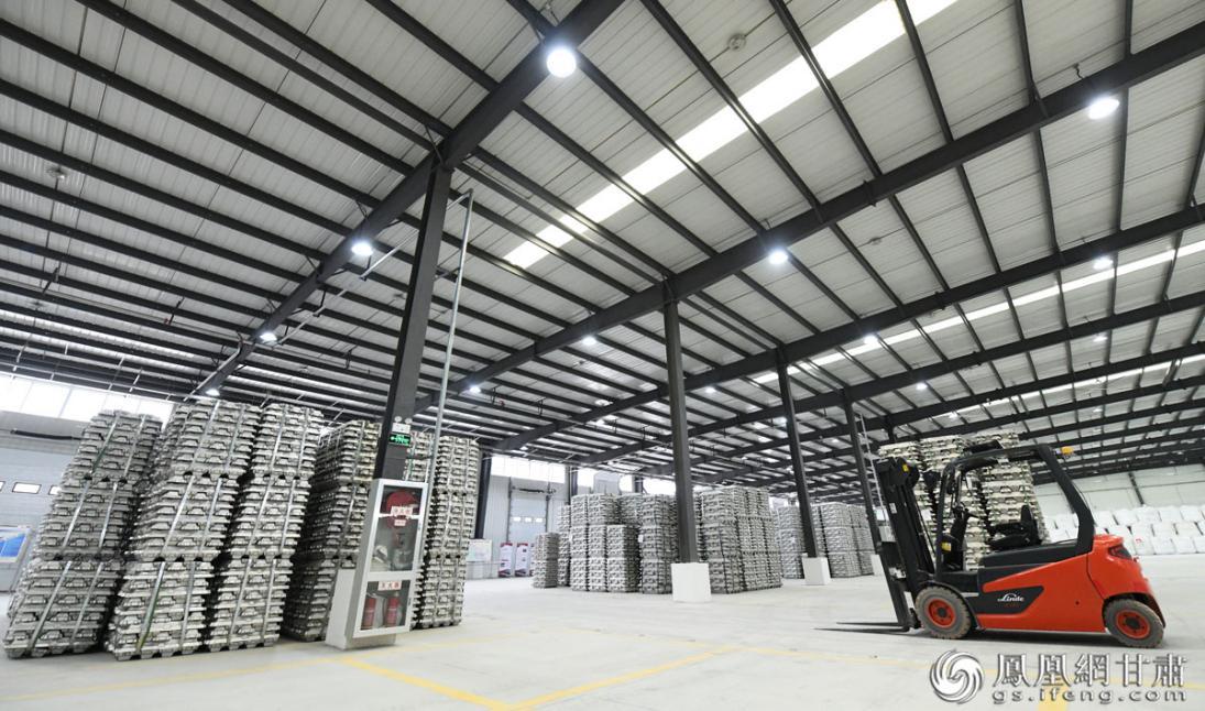 兰州新区上海期货交易所铝期货指定交割仓库挂牌运营 丁凯 摄