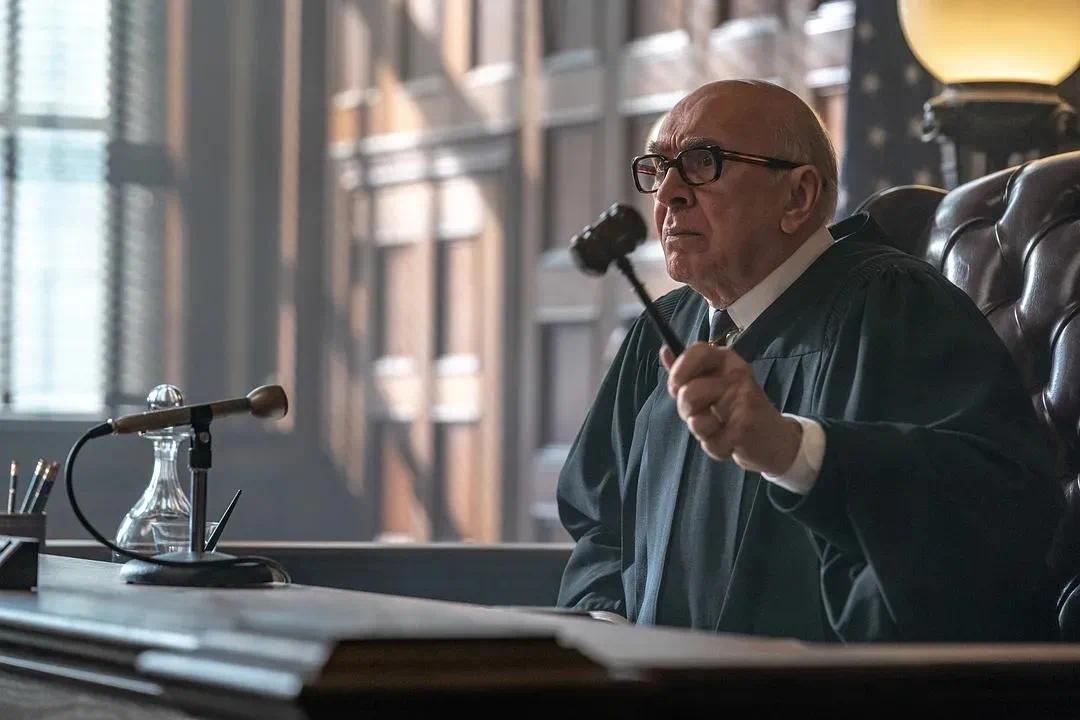 借古讽今之作《芝加哥七君子审判》,还原了美国最可笑的一场审判