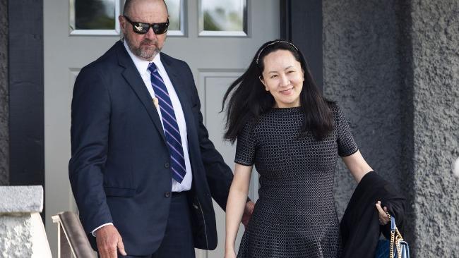 """法官裁定孟晚舟的律师可用""""重大证据遗漏""""申请终止引渡程序"""