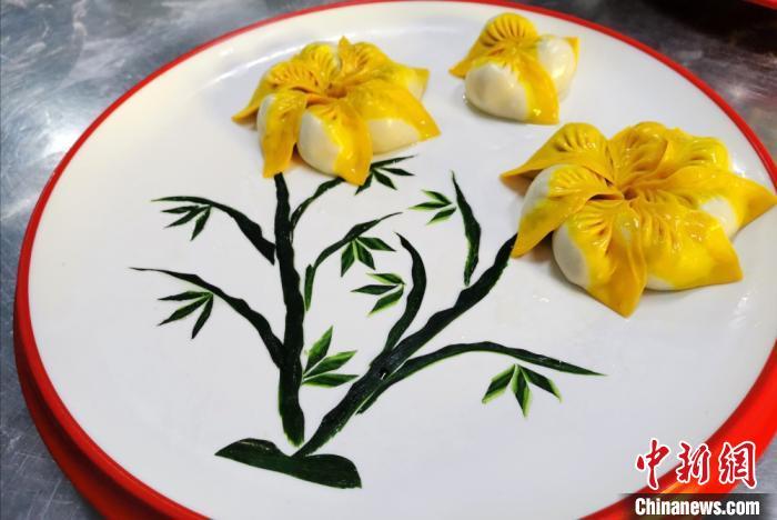 """图为""""七彩饺子宴""""之""""竹报平安"""",有美好寓意。 闫姣 摄"""
