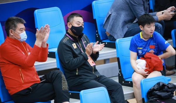 中国乒协主席刘国梁观看比赛。