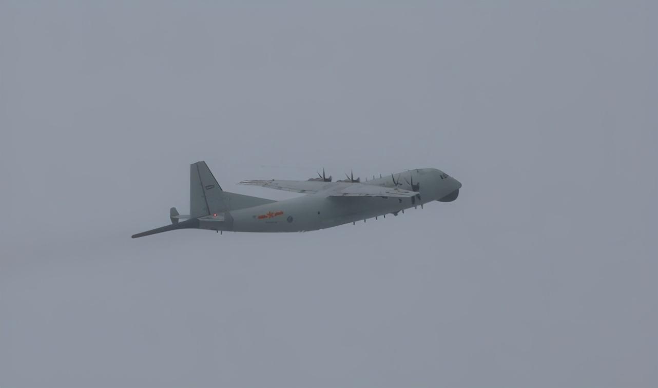 【迪士尼彩乐app】_台媒:时隔4天 解放军军机又进台西南空域了