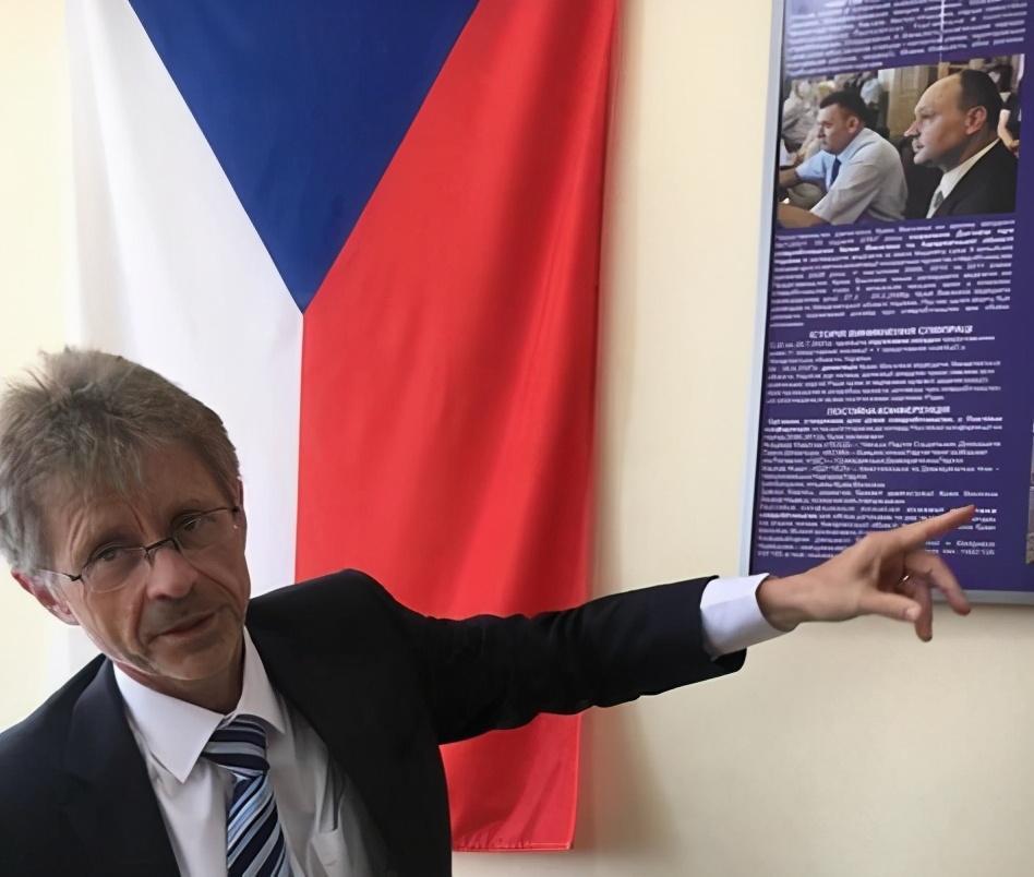 """捷克媒体爆料:捷克参议长拿了400万美元""""好处费"""",才去台湾访问"""