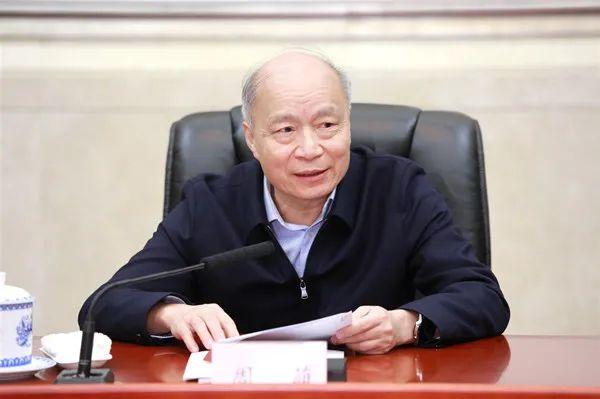 江西省设区的市人大常委会主任座谈会在昌召开