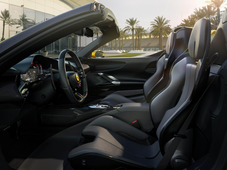 法拉利SF90 Spider全球首发 旗下首款量产插电式混动敞篷跑车