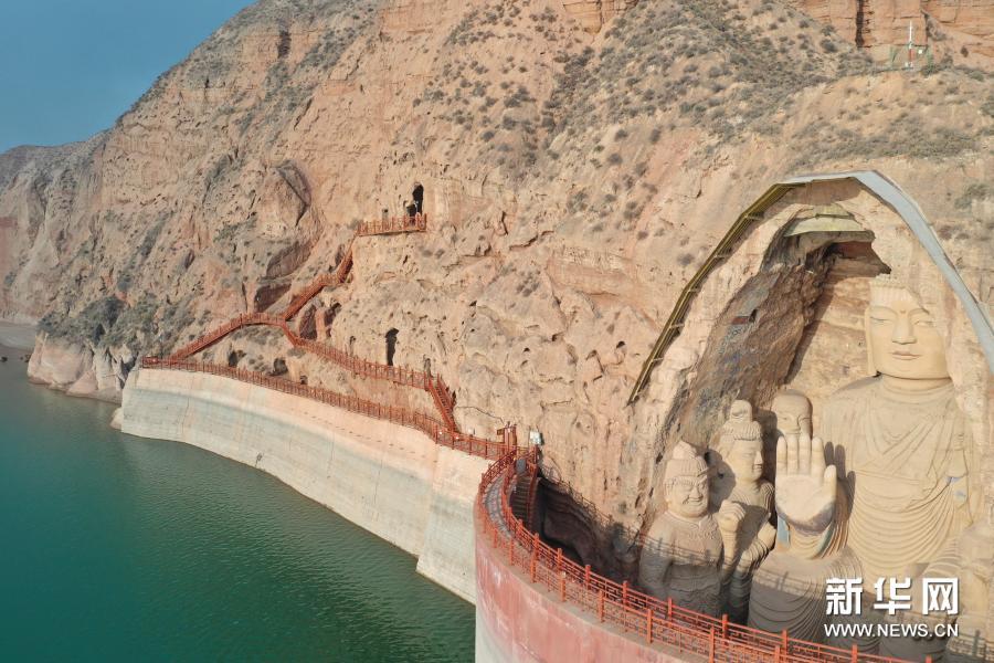 11月19日拍摄的天梯山石窟(无人机照片)新华社记者 杜哲宇 摄