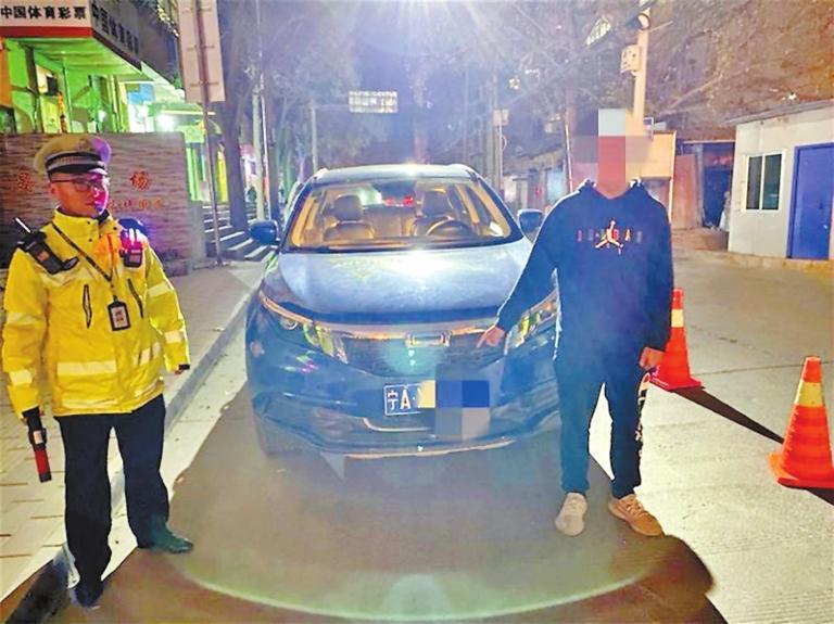 16岁少年无证驾驶共享汽车被查处 龚家湾交警大队供图