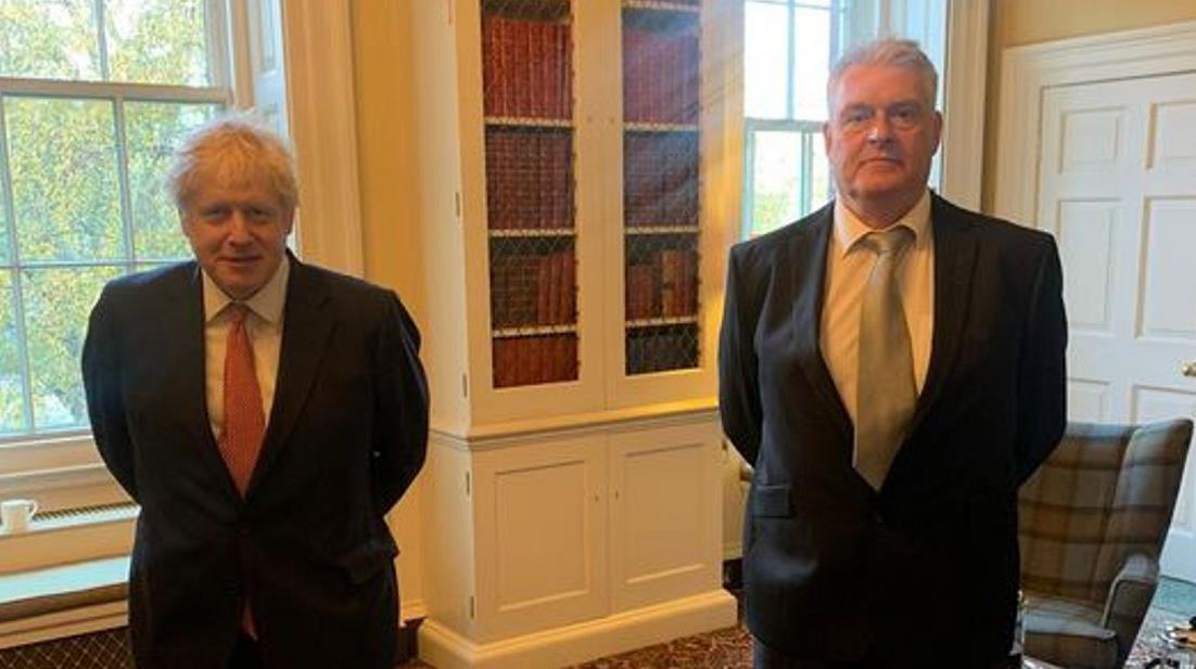 英国首相约翰逊因接触新冠阳性患者将自我隔离