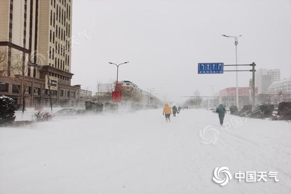 内蒙古通辽赤峰等地现特大暴雪 今日降雪持续
