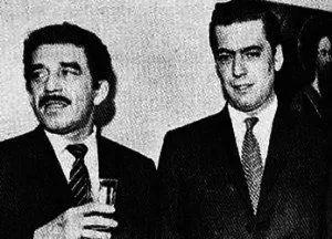 年轻时的马尔克斯(左)和略萨(右)