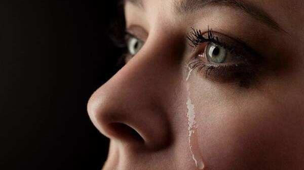 美媒:你的眼泪有朝一日也许会救你的命……