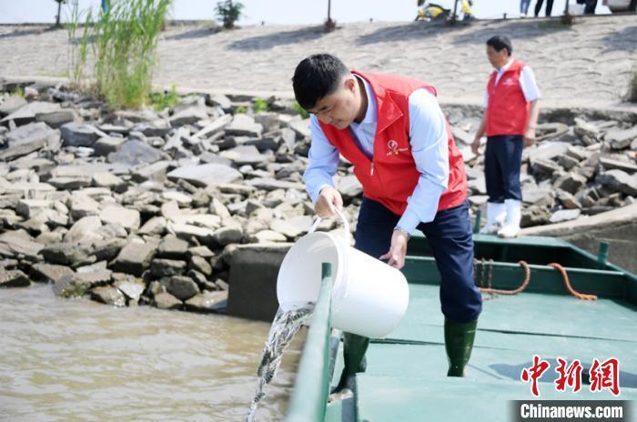"""世代长江""""水上漂""""渔民上岸十余年的坚守"""